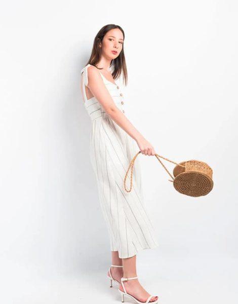 Vestido lino blanco con bolso playa